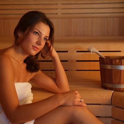 девушка в бане