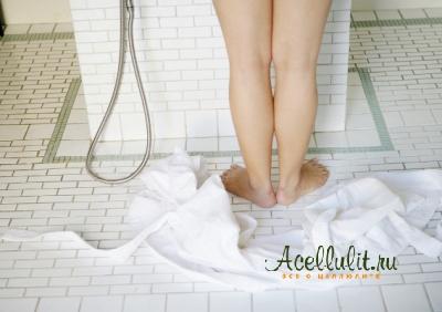 контрастный душ против апельсиновой корки